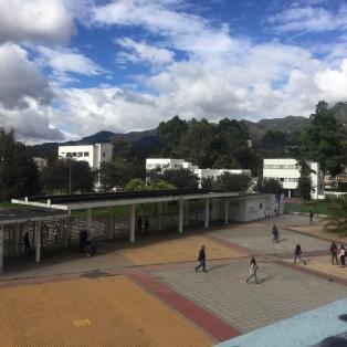 Blick auf den Eingang Calle 26