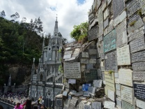 """Kathedrale mit """"Dankessteinen"""""""